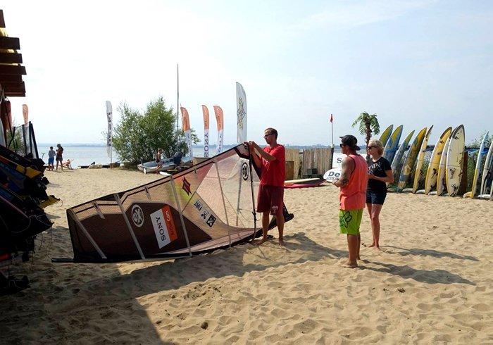 windsurfing kitesurfing hel